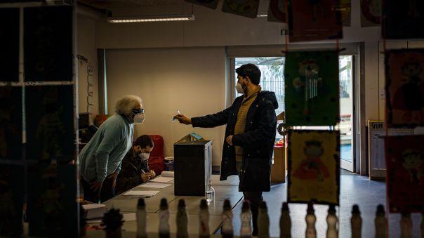 Portugal realiza elecciones en plena pandemia