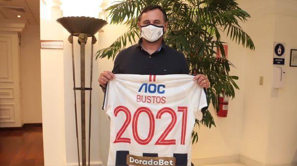Carlos Bustos firmó por un año con Alianza Lima