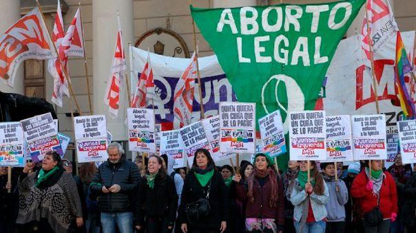 Más de 80 organizaciones expresan indignación por prohibir aborto legal
