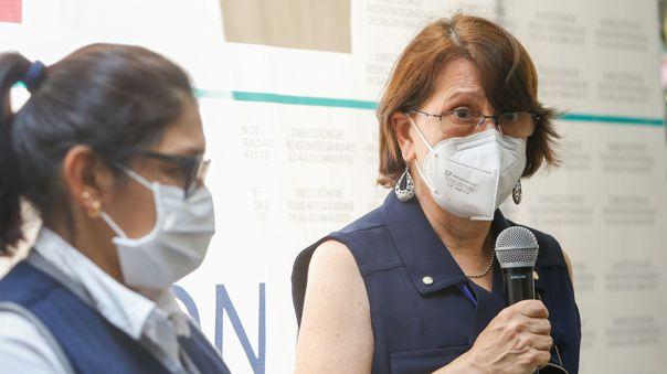 La ministra Pilar Mazzetti inauguró el laboratorio de diagnóstico molecular en Lima Este.