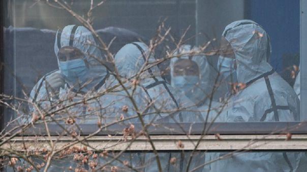 La misión, que China retrasó, tiene como objetivo explorar cómo el virus pasó de los animales a los humanos.