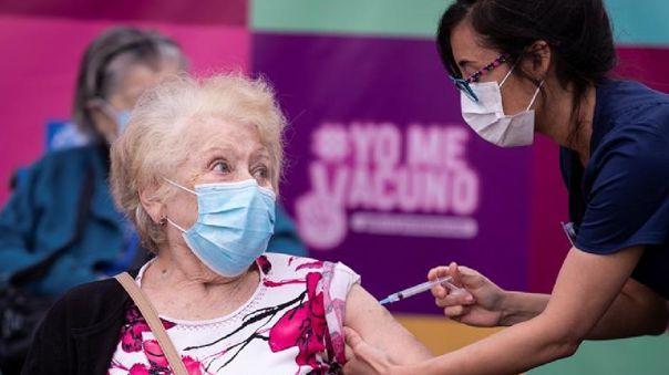 El pasado miércoles el país inició el proceso de vacunación masiva con miras a inocular a la población de riesgo -casi 5 millones de personas.