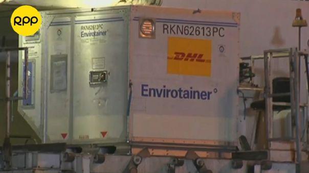 Las vacunas llegaron en unos contenedores especiales para garantizar su conservación.