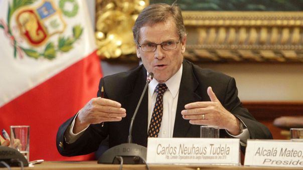 Carlos Neuhaus preside grupo logístico de adquisición de vacunas.