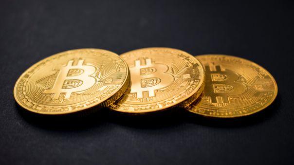 Los bitcoin aumentan su valor.