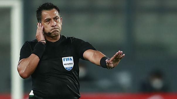 Julio Bascuñán dirigió el Perú 2-4 Brasil por las Eliminatorias 2022