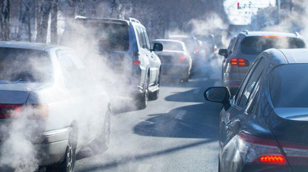 Según la fundación Aquae, cada 5 000 kilómetros que recorre un vehículo, produce 590 kilogramos de CO2.