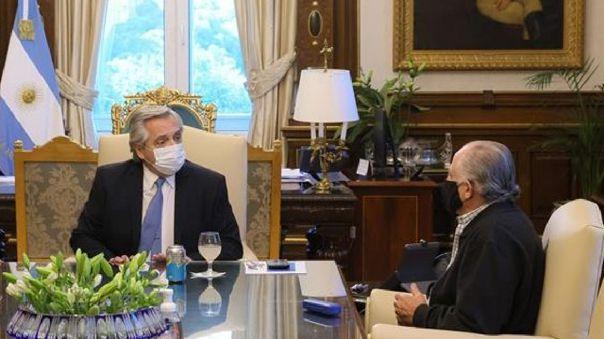 Además del periodista Horacio Verbitski, la nómina de vacunados vip incluyó al senador Jorge Taiana y al diputado Eduardo Valdés, entre otros.
