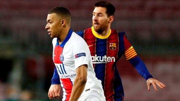 Lionel Messi y Mbappé durante el 1-4 de PSG en el Camp Nou