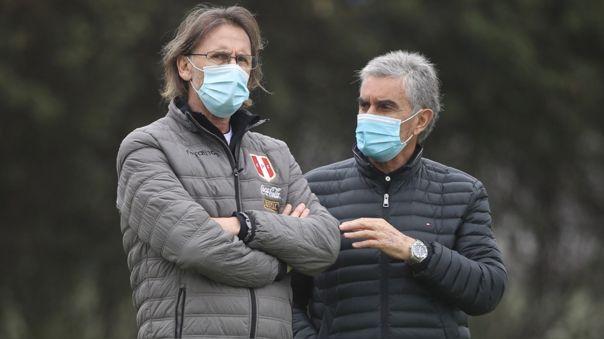 Ricardo Gareca y Juan Carlos Oblitas en los entrenamientos de la Selección