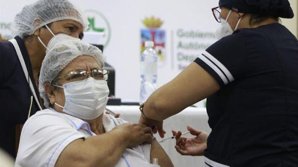 Bolivia recibió este miércoles 500 000 dosis de Sinopharm.