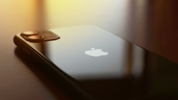 El iPhone 11 tiene uno de los peores puntajes.