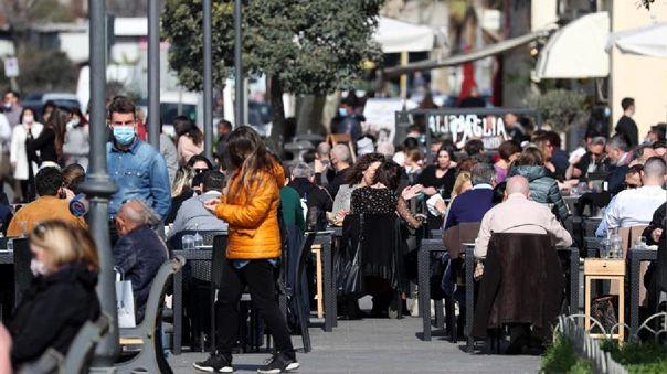 Los contagios de coronavirus descendieron ligeramente en Italia