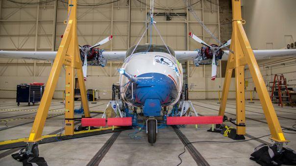 El X-57 Maxwell de NASA se prepara para sus pruebas de vibración en tierra