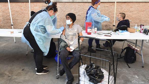 Ante el avance de la campaña de vacunación, el gobernador republicano de Texas, Greg Abbott, anunció el martes el fin del porte obligatorio de mascarilla.