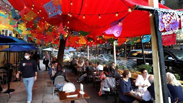 Apertura de restaurantes está asociada a un aumento de los contagios