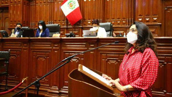 Violeta Bermúdez se presentó ante el Pleno Mujer.