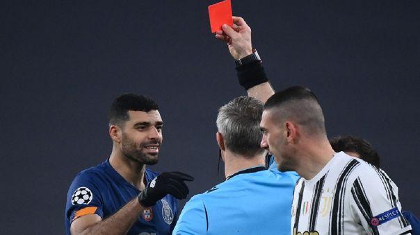Mehdi Taremi dejó con uno menos a Porto en el duelo ante Juventus