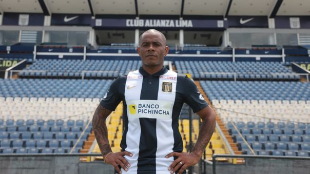 Wilmer Aguirré fichó por todo el 2021 con Alianza Lima