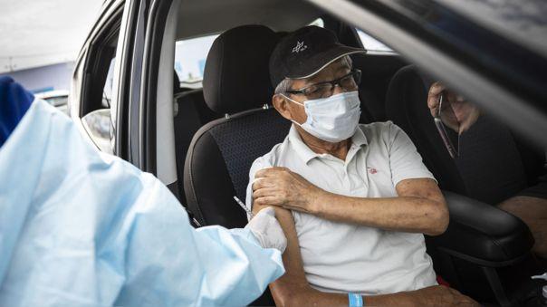 EsSalud publicó la segunda lista de adultos mayores asegurados que recibirán dosis de la vacuna contra la COVID-19.