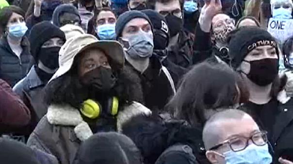 Inglaterra está bajo un confinamiento casi total para contener la tercera ola de la pandemia
