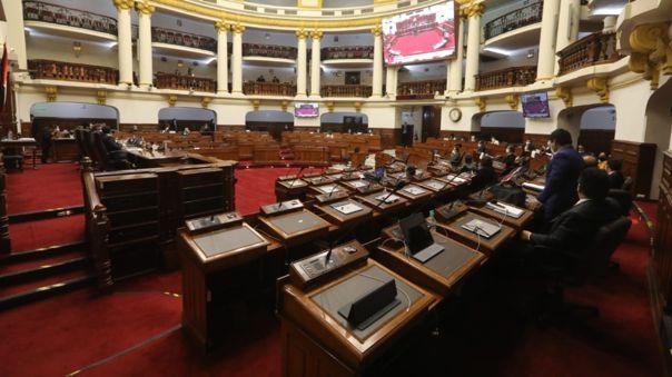 Congresista plantea la revocatoria de legisladores.