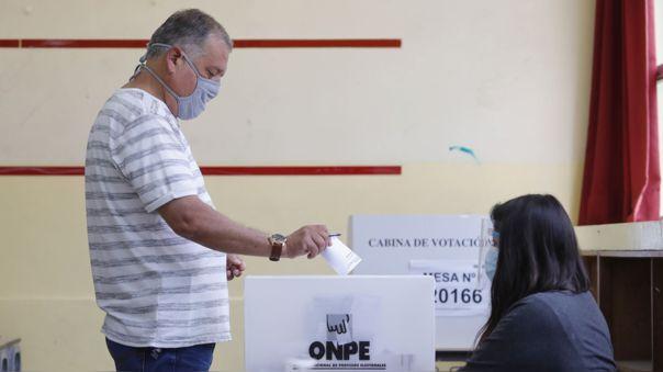 Elecciones 2021: ¿Por qué los ciudadanos considerarían emitir un voto  cruzado? | RPP Noticias