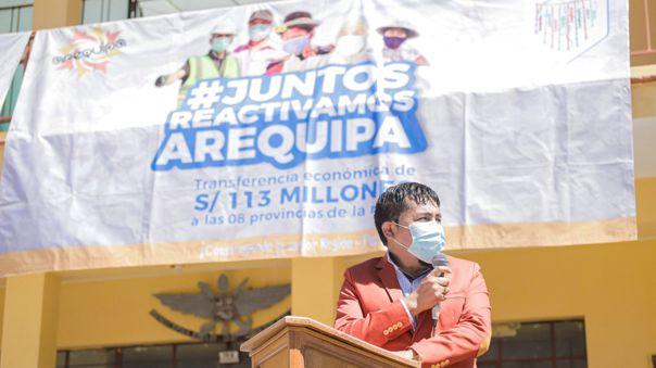 Elmer Cáceres Llica, transfirió 113 millones de soles a municipalidades provinciales y distritales.