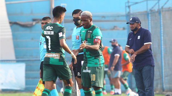 Jefferson Farfán hizo su debut con Alianza Lima