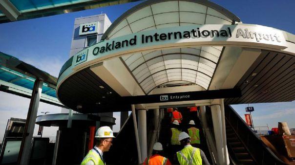 Evacúan una terminal del aeropuerto de Oakland