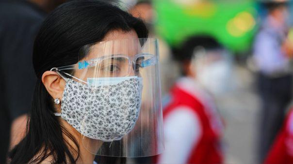 Estudio concluyó que el ajuste adecuado al momento de usar la mascarilla determina una mayor protección respiratoria.