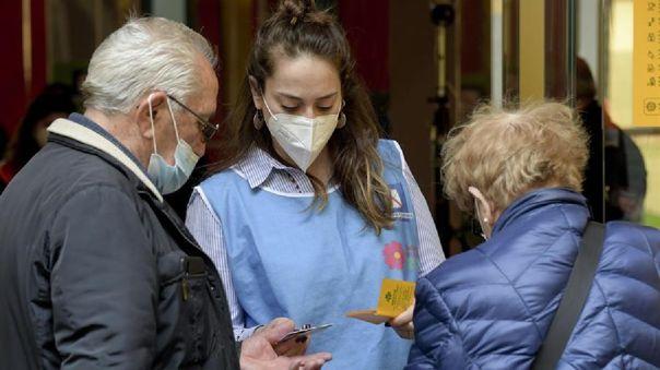 Actualmente se han inyectado 12,5 millones de dosis, sobre todo entre el personal sanitario y mayores de 80 años.