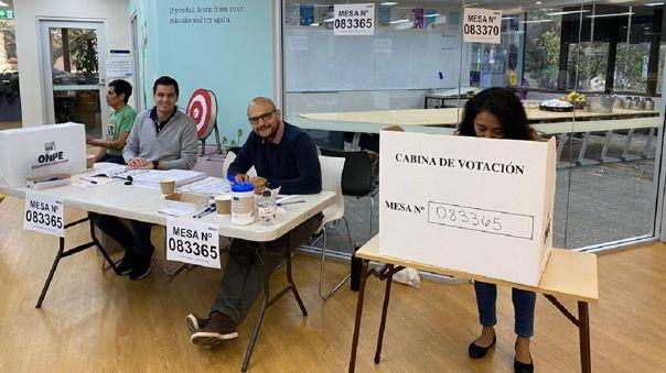 Peruanos en Australia comienzan a votar en comicios generales