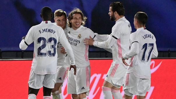 Real Madrid derrotó 2-1 a Barcelona por la fecha 30 de LaLiga