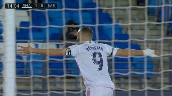 Karim Benzema y su gol para 1-0 del Real Madrid contra Barcelona.