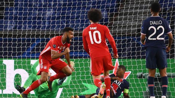 Maxim Choupo-Moting celebra su gol en el PSG contra Bayern Munich en París.