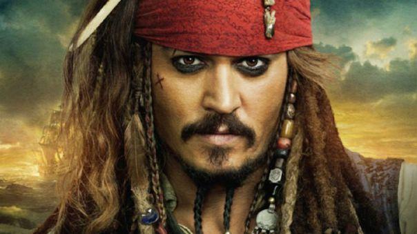 Johnny Depp se disfraza de Jack Sparrow para visitar a niños en los hospitales