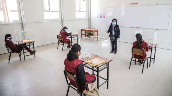 Retornan a clases semipresenciales seis colegios de  Castilla, nueve en La Unión, uno en Caraveli y uno de Educación Básica Especial en Islay.