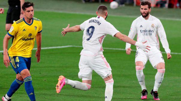 Karim Benzema marcó un doblete ante el Cádiz