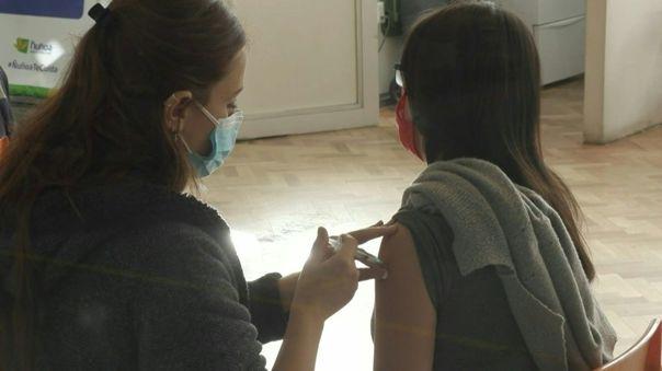 El país lleva a cabo uno de los procesos de vacunación contra la COVID-19 más exitosos del mundo.