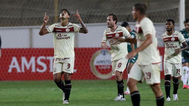 Enzo Gutiérrez fue el autor de los dos goles de Universitario contra Palmeiras.