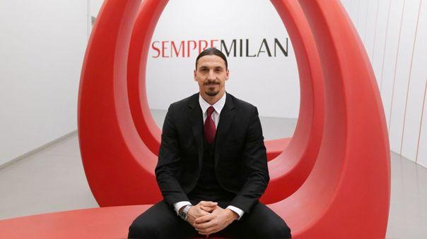 Zlatan Ibrahimovic regalará sus goles por un año más en el AC Milan.