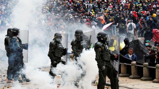 Colombia: protesta contra reforma tributaria deja dos muertos, heridos y  detenidos   Iván Duque   RPP Noticias