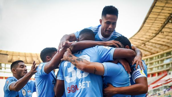 Sporting Cristal venció 2-1 a Alianza Lima y se mantiene invicto