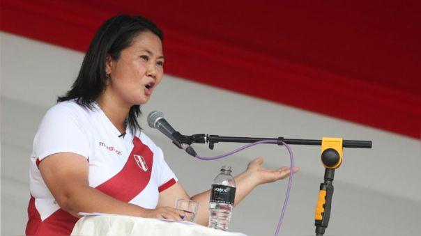 """RPP Verifica   Keiko Fujimori sobre revisión de textos escolares: """"La responsabilidad educativa es compartida también con los padres"""" [ENGAÑOSO]"""