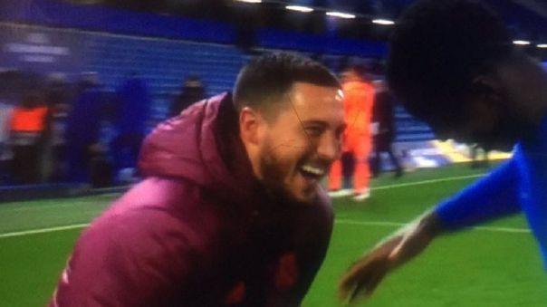 Eden Hazard hizo bromas con jugadores del Chelsea, pese a que Real Madrid perdió.