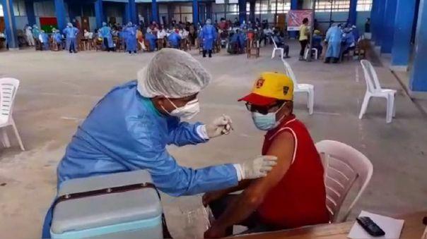 Vacunación en la ciudad de Loreto.