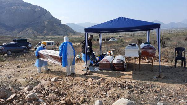 Lambayeque: Hallan restos de fallecidos por la COVID-19 que fueron enterrados en cementerio temporal de Mesones Muro
