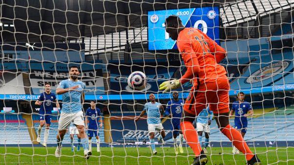 Sergio Agüero falló un penal ante el Chelsea