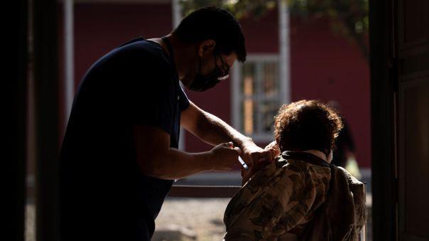 Desde inicios de febrero, Chile ha impulsado una campaña de vacunación masiva